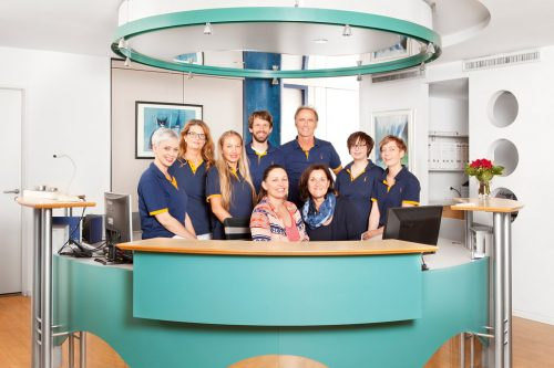 Team-Praxis-Kopfmann-Gesamtfoto-2019-1024x683